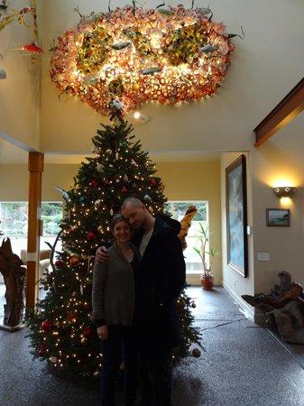 Overleaf Lodge & Spa: Christmas tree in the Lobby