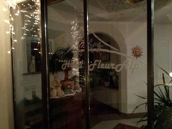 Hotel FleurAlp : Ingresso