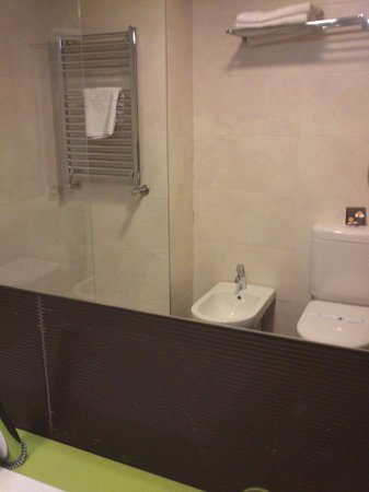 Hotel Castillo de Ayud: Baño