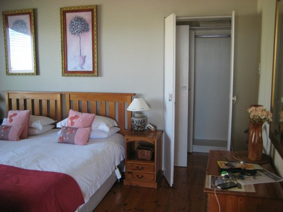 Bluegum Hill Guest House and Apartments: chambre