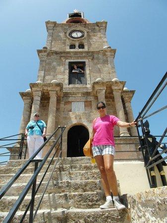 Roloi Clock Tower : A Torre do Relógio.