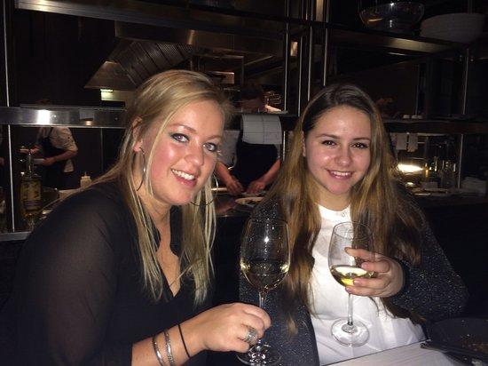 Merlot - Wijnbar & Restaurant: Happy daughters