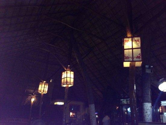 Pizzeria San Juan La Playa: Ambiente tranquilo, excelente para disfrutar la comida y conversación con los amigos.