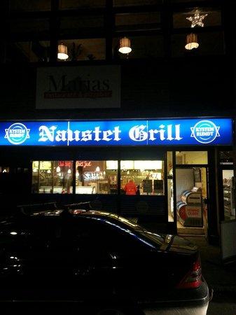 Naustet Grill: Neustet grill