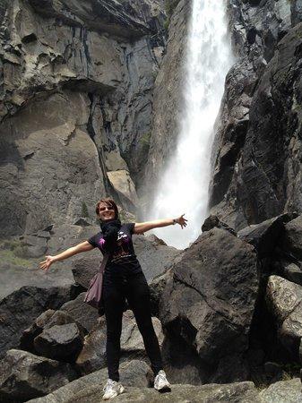 Yosemite Falls: sotto le cascate