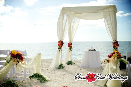 Gulf Beach Resort Motel: Weddings on the Beach