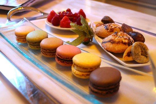 Hotel Balzac: Treats on arrival
