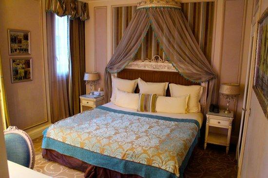 Hotel Balzac: Bedroom