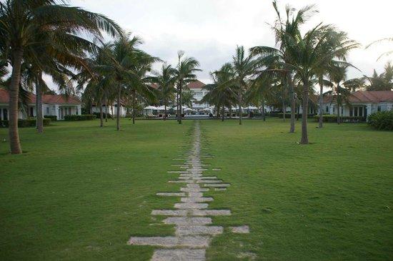 Boutique Hoi An Resort : Weg zum Strand