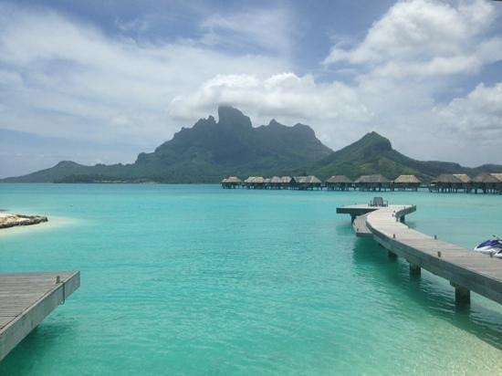 Four Seasons Resort Bora Bora: vista desde recepcion