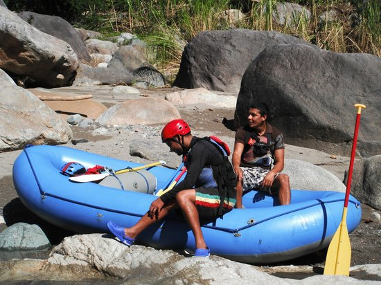 Jungle River Lodge: Darwin & Angel White Water Rafting Guides