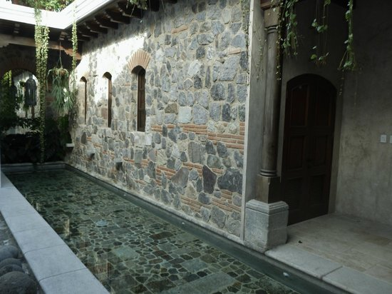 The San Rafael Hotel: Water feature behind La Merced.