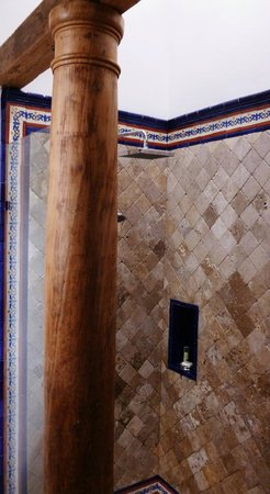 The San Rafael Hotel: La Merced shower.