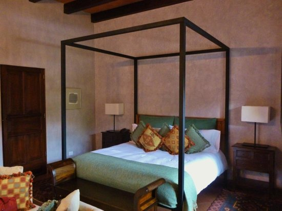 The San Rafael Hotel: La Merced bedroom.