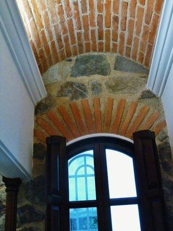 The San Rafael Hotel: La Merced bano ceiling.