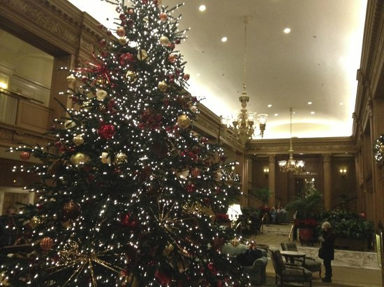 The Fairmont Olympic Seattle: Lobby at Christmas