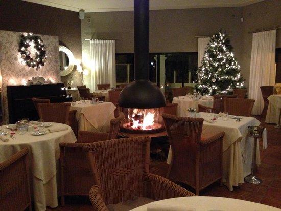 Bon Bon Restaurante: Merry Christmas by: Bon Bon Restaurant
