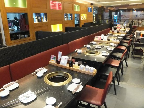Nice clean environment picture of aka japanese for Aka japanese cuisine