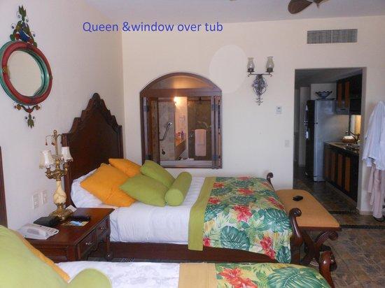 Hacienda Encantada Resort & Residences: window by Jacuzzi tub
