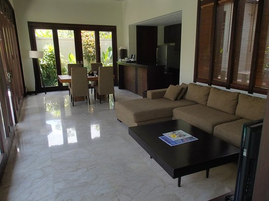 Mahagiri Villas : The living area of the villa