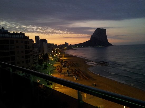 Gran Hotel Sol y Mar: vistas desde la habitacion, amaneciendo