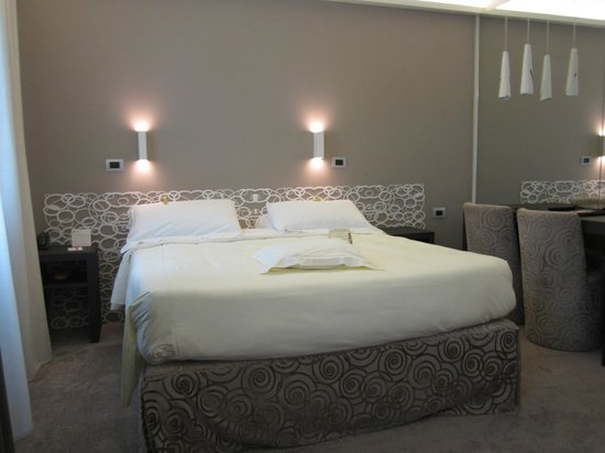 Hotel Berna: New refurbished room with double bed