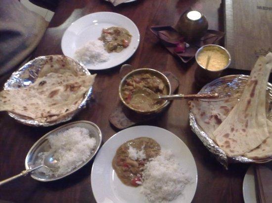 Kathmandu Restaurant : chicken kadai, plain rice, butter naan, garlic naan and awesome mango lassi