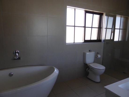 Mercure Port of Echuca : Bathroom