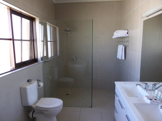 Mercure Port of Echuca: Part of the large bathroom with the walk in shower