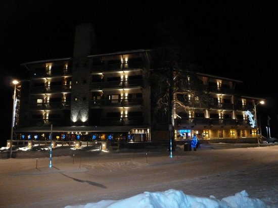 Santa's Hotel Tunturi: Night view of Geilas Wing