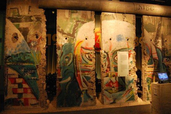 The Story of Berlin: Parties du mur