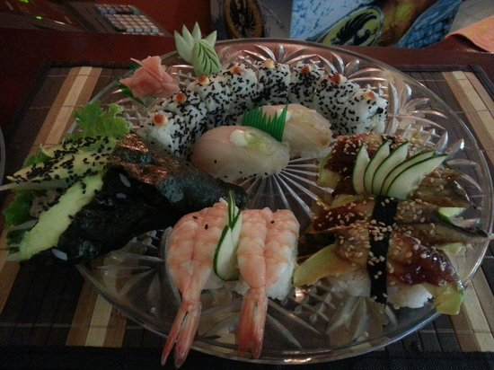 Delicious combination of sushi just in El Quijote bar and restaurant...