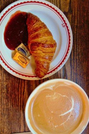 La Boulange de Fillmore: Melt in your mouth croissant