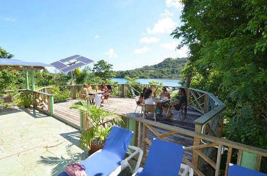 Bay View Eco Resort & Spa: Breakfast On The Deck