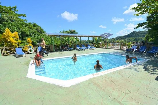 Bay View Eco Resort & Spa: Play In The Pool