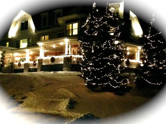 Dining Room at The Inn at Thorn Hill and Spa: Happy Holidays from he Inn at Thorn Hill