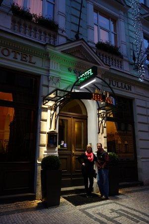 Hotel Julian : Entrance