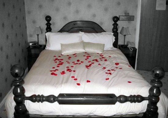 Ventnor Towers Hotel: Bedroom 7 - Bed