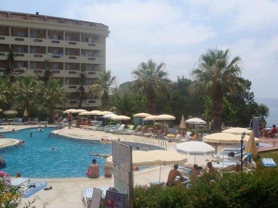 Aska Bayview Resort: basen