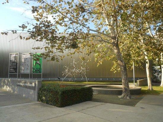 Contemporary Arts Museum: Museum of Contemporary Art