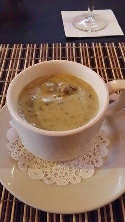Brick NYC : Cream of asparagus and mushroom soup