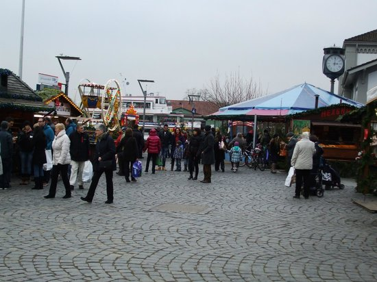 Constance Harbour: Xmas market on the harbour