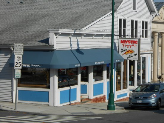 Whitehall Mansion Inn: famous mystic pizza (anyone who grew up in 80's know what this is)