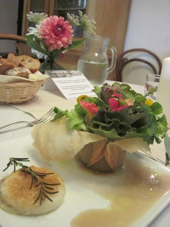La Grande Marque : Bouquet of Salad with chèvre