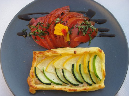 La Grande Marque : Courgette pastry with tomato side