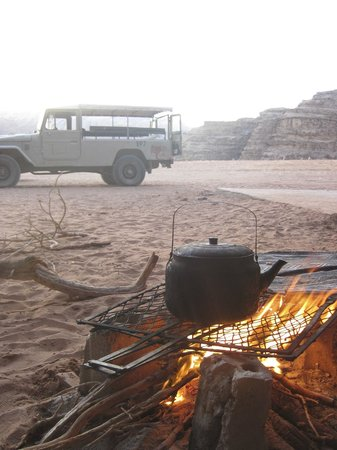 Wadi Rum Natural Wonder: Tea by the fire
