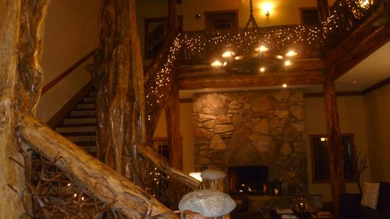 The Esmeralda Inn: Lobby / Great Room