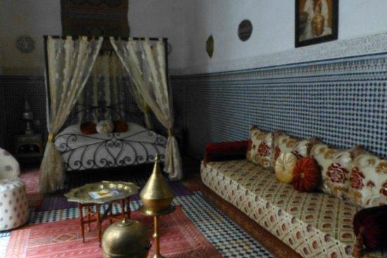Riad Kettani: Habitación