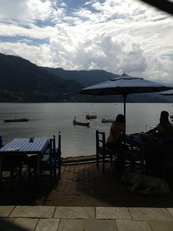 Mike's Restaurant: View of Lake