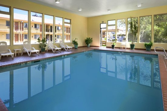 Days Inn & Suites Arcata: Come Enjoy Our Indoor Pool
